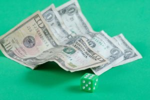 2014102800 300x200 - ベラジョンカジノで儲ける方法を解説!儲かるためには稼げるゲーム選びが重要!