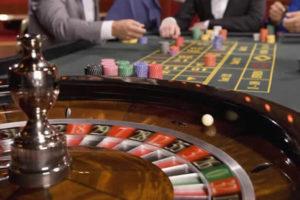 roulette 730x410 300x200 - ベラジョンカジノの勝ち方を伝授!オンラインカジノで稼ぐための賭け方、必勝攻略法を紹介
