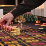 roulette500 750x500 160x160 - 連勝や勝っている時に使うルーレットの攻略・必勝法と資金管理(マネーマージメント)