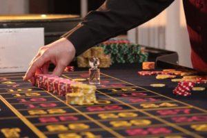 roulette500 750x500 300x200 - 連勝や勝っている時に使うルーレットの攻略・必勝法と資金管理(マネーマージメント)