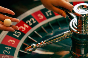 images2 300x200 - 連勝や勝っている時に使うルーレットの攻略・必勝法と資金管理(マネーマージメント)