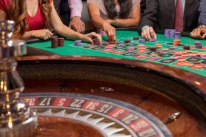 roulette 300x200 - オンラインカジノのルーレット攻略に必要な4つの基本戦略